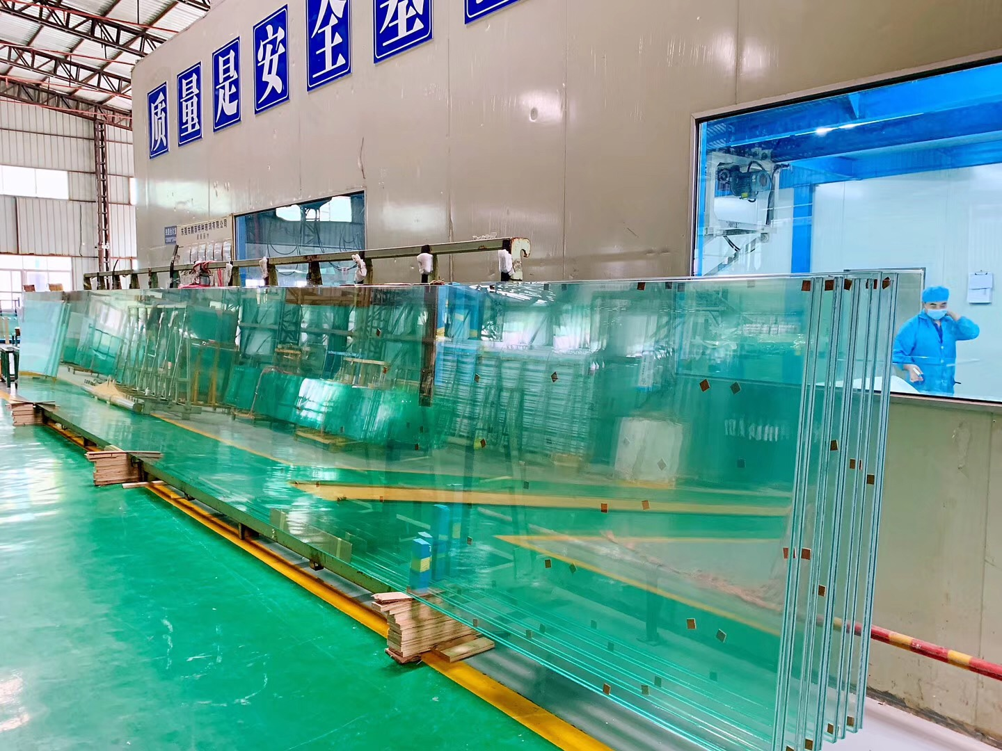 15mm+15mm low iron laminated glass, 15+15 ESG VSG extra clear, super white tempered laminated glass,15+15mm low iron ESG VSG, 15+15 Starphire laminated glass, jumbo size glass