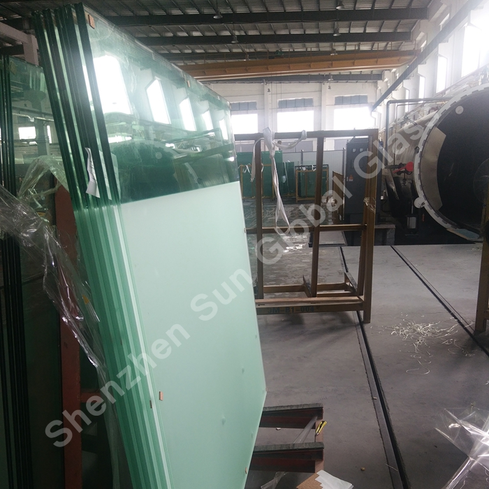 PVB laminated glass, laminated glass, railing glass manufacturer, laminated glass, railings, construction glass, 8+8mm laminated glass, frosted laminated glass, laminert glass, verre de garde-corps