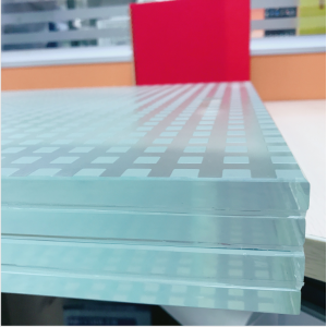 4 layers ultra clear tempered laminated glass stair,12+12+12+12mm Low Iron tempered laminated glass,48mm SGP crystal clear toughened laminated glass