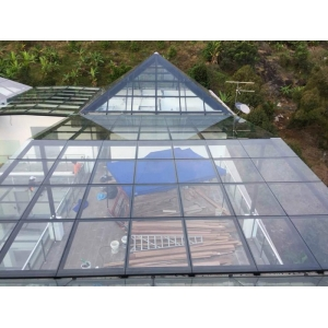 CE EN12150 Standard toughened glass 10mm for patio roofs,10mm tempered glass roof skylight,clear tempered glass roofing panels