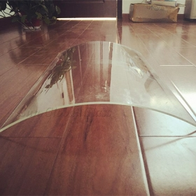 China 10mm Bent Ultra Clear Glass, 10mm Curved Tempered Extra Clear Glass, 10mm Low Iron Tempered Bent Glass factory