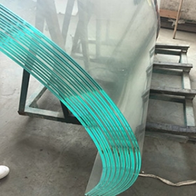 China 10mm transparent curved tempered glass supplier, heat soak tempered glass panel, heat soak curved glass factory
