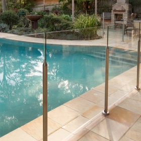 China 12mm Pool Fence Glass Panel, 12mm Balustrade Heat Soaked  Glass Panels, 1/2 inch Glass Railing factory