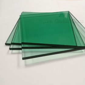 China 13.52mm light green tempered laminated glass, 6mm light green tempered glass+1.52PVB+ 6mm clear tempered glass, 6mm+6mm French green toughened sandwich glass factory