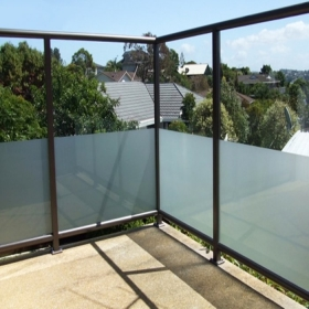 China 17.52mm frosted tempered laminated glass balustrade, CE standards 8mm+8mm acid etched toughened laminated glass for railing, 88.4 ESG VSG railings factory
