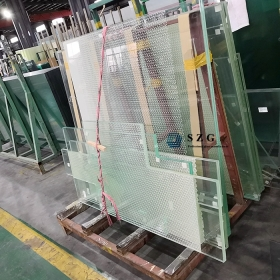 China 17.52mm ultra clear silk screen printed tempered laminated glass, 8+1.52+8mm low iron paint toughened PVB laminated glass, 884 extra clear silk printing safety VSG double glazed factory
