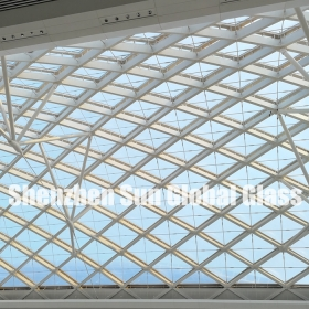 China 21.52mm low iron tempered laminated glass skylight, 10mm+10mm ultra clear toughened sandwich glass for canopy, 1010.4 ESG VSG extra clear glass roof factory