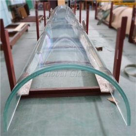 China 33.04mm curved ultra clear laminated glass, 10.10.10.4 low iron bent tempered laminated glass, 10+10+10 super white curved tempered laminated glass factory